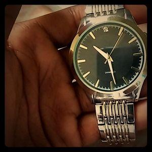 Nice diamond watch that's silver & gold